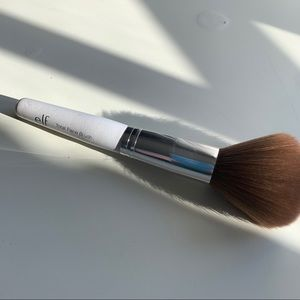 FREE W ANY PURCHASE elf complexion brush
